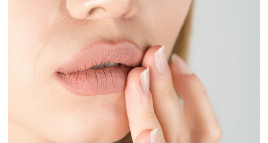 Herpes labiale: cause, sintomi, cura
